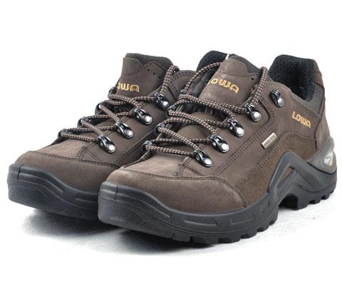 "LOWA RENEGADE II GTX LAT12507男式中帮鞋 深褐色 穿上""劳斯莱斯""去旅行"