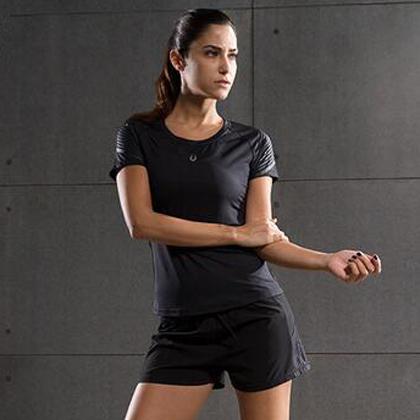 范斯蒂克 女款流光跑步套装 浅灰流光紧身衣+宽松短裤 (锁肌保护,轻如蝉翼)